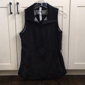 Lululemon black vest/ removable jacket sz 4 55899
